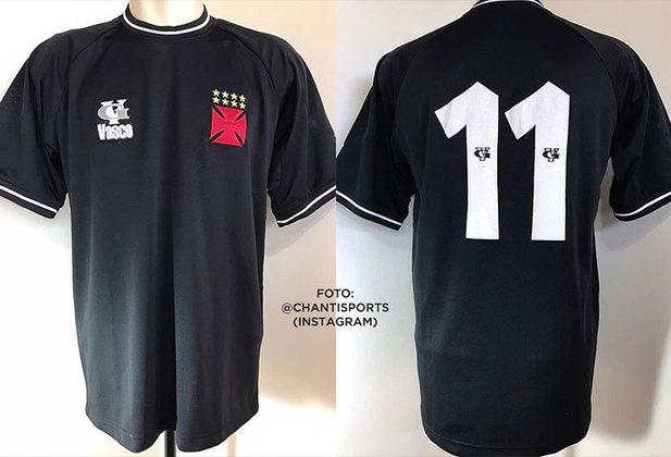 2001 - Terceiro uniforme todo preto com número branco, fabricado pela VG Vasco.