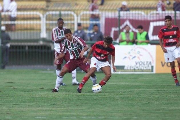 2005 - Um ano assombroso para o flamenguista, flertando com a queda inédita. Após 28 jogos, o Fla tinha 31 pontos e estava em 18º (ainda haviam 22 clubes no Brasileiro). Terminou em 15º, com 55 pontos.