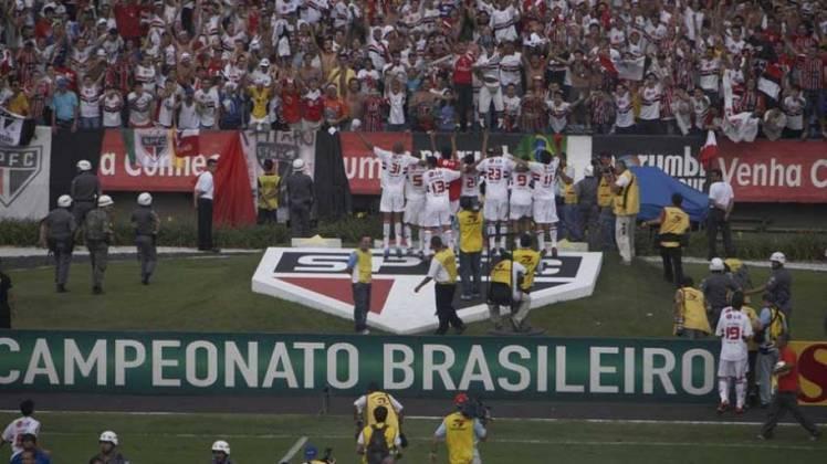 2006: DIFERENÇA: OITO PONTOS. 1º: São Paulo – 59 pontos – 17 vitórias, oito empates, quatro derrotas/ 2º: Grêmio – 51 pontos – 15 vitórias, seis empates, quatro derrotas.