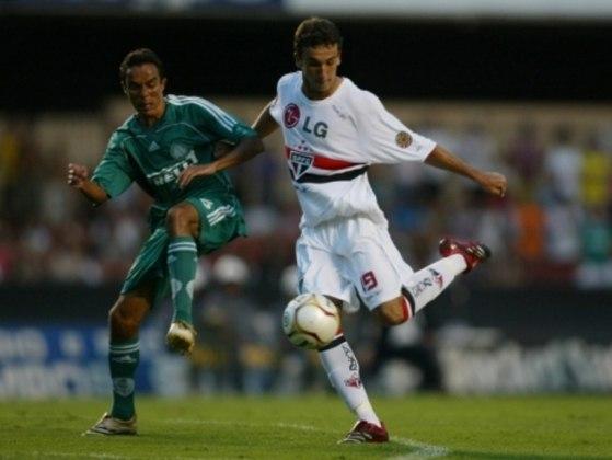 2006 - São Paulo 4 x 2 Palmeiras - Pelo Paulistão, o Tricolor que acabara de ser campeão mundial jogou água no chope do Palmeiras de Emerson Leão, até então invicto em 2006: gols de Danilo, Alex Dias, Thiago Ribeiro e Mineiro.