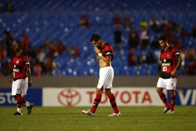 2008 - Na briga pelo título, o Flamengo estava em 4º, treinado por Caio Júnior e com 49 pontos a essa altura. Terminou fora do G4, em 5º, com 64 pontos somados.