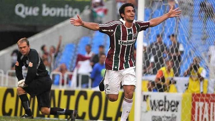 2009 - Flumnense 3 x 1 Macaé, pelo carioca - Fred marcou dois gols em sua estreia com  camisa Tricolor, sob o comando do tetracampeão Carlos Alberto Parreira.