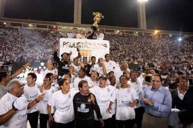 2009 - Naquele ano o Timão se sagrou campeão paulista ao bater o Santos na decisão (vitória por 3 a 1 na Vila Belmiro e empate em 1 a 1 no Pacaembu).