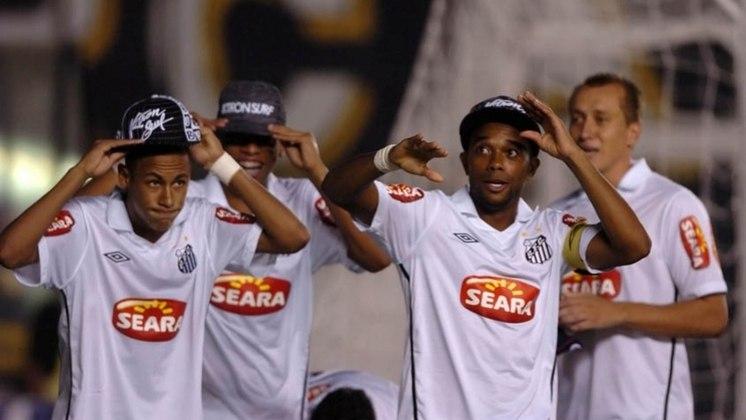 2010 - Santos 8 x 1 Guarani - Mais um show de Neymar e cia na Copa do Brasil. A goleada que marcou a irreverência do elenco santista. Neymar acabou com o jogo, marcando cinco gols. Robinho, duas vezes e Marcel, fecharam o resultado.