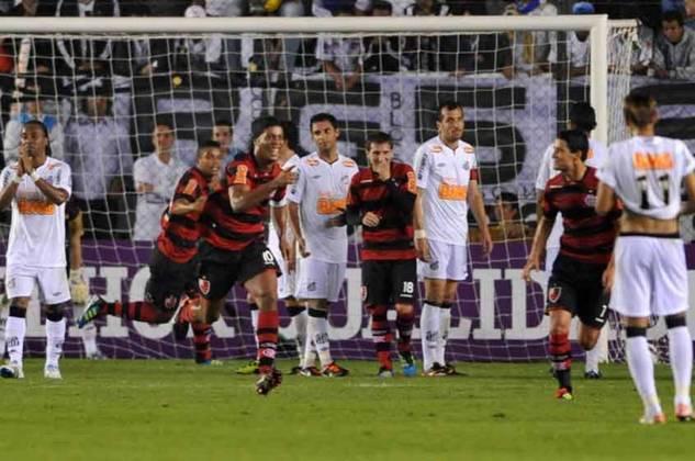 2011 - Em 27 de julho daquele ano, um dos maiores jogos da história do Campeonato Brasileiro. Em plena Vila Belmiro, o Flamengo derrotou o Santos por 5 a 4 após começar perdendo por 3 a 0, em uma noite inspirada de Neymar e Ronaldinho.