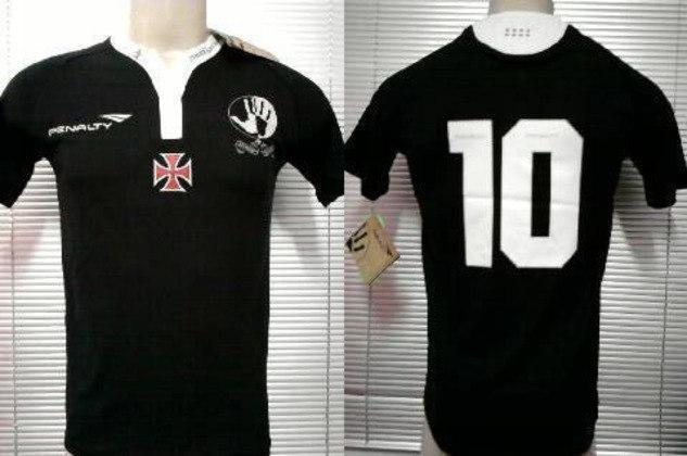 2011 - Inspirado na luta histórica contra o racismo, uma das maiores vitórias da centenária história do clube, o Vasco lançou a sua terceira camisa. Toda preta e com os dizeres