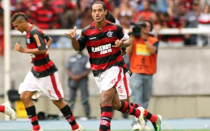 2011 - Sob o comando de Ronaldinho, Thiago Neves, Renato Abreu e cia, o Flamengo viu o surgimento do