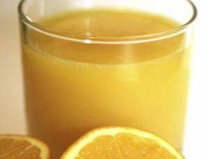 Fruta é rica em vitamina C, antioxidante que reduz a ação dos radicais livres