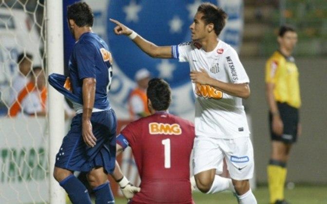 2012 - Cruzeiro 0 x 4 Santos - Show de Neymar em Minas Gerais. O craque marcou três e foi aplaudido de pé pela torcida cruzeirense pelo Brasileirão. O meia Felipe Anderson fechou o placar.