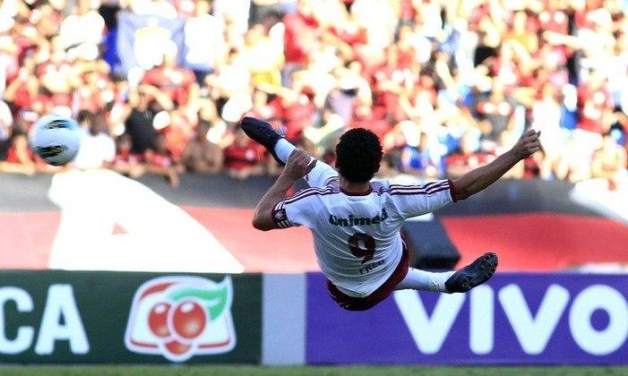2012 - Flamengo 0 x 1  Fluminense, pelo Brasileiro - Em mais um clássico, Fred marcou um golaço de voleio, um dos mais belos de sua vitoriosa carreira.