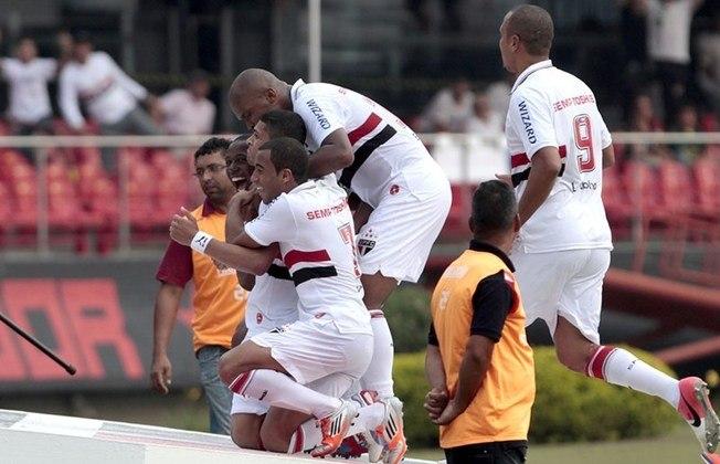 2012 - São Paulo 3 x 0 Palmeiras - Antes de ser rebaixado no Brasileirão 2012, o Palmeiras levou um chocolate no Morumbi: gols de Luis Fabiano (2) e Denilson, em um chute quase do meio de campo.