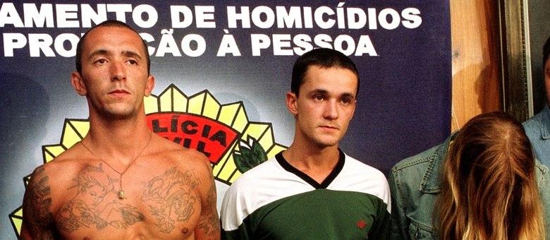 Christian Cravinhos (à esquerda) cumpre condenação de mais de 38 anos pela coautoria do assassinato do casal Richtofen