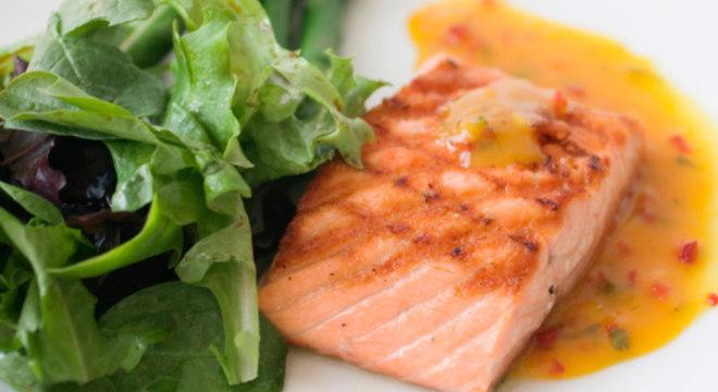 Alimentação pode ajudar no tratamento contra o câncer