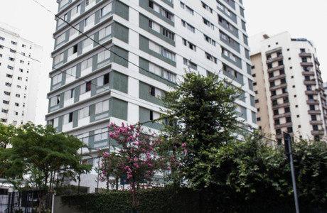 Idosa de 80 anos foi achada morta com sinais de violência no apartamento, em Moema, onda morava sozinha há 30 anos