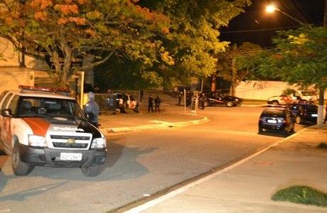 Policial é baleado na madrugada desta quarta-feira (14)