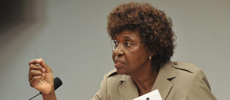 A deputada federal Benedita da Silva reforça a necessidade de mapear a situação étnica em todas as esferas do País