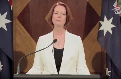 No vídeo, Julia Gillard fala de pop coreano e zumbis