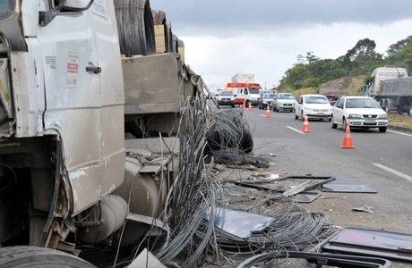 Acidente grave deixa uma pessoa morta no km 605 da BR-32
