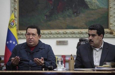 Maduro (à direita) é considerado o mais popular dos parceiros de Chávez
