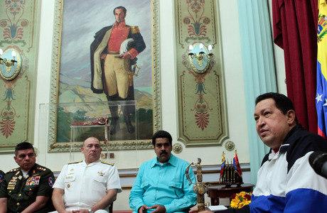 Problemas econômicos e políticos internos devem manter qualquer um que venha a suceder Chávez com os olhos dentro da Venezuela, não fora