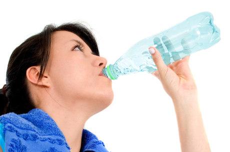 Especialista alerta para ingestão de líquidos neste inverno