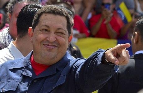 Hugo Chávez sofreu uma infecção respiratória e deve ficar de repouso em Cuba