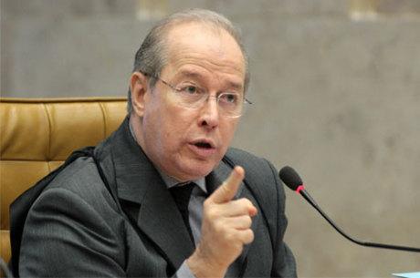 Celso de Mello criticou a fala do filho de Bolsonaro