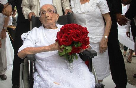 Em setembro, matriarca da família Veloso completou 105 anos