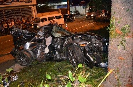 Acidente aconteceu na Avenida Atlântica, no Bairro de Interlagos