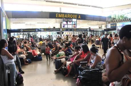 Cerca de 1.800 horários de ônibus extras foram criados na rodoviária de Salvador
