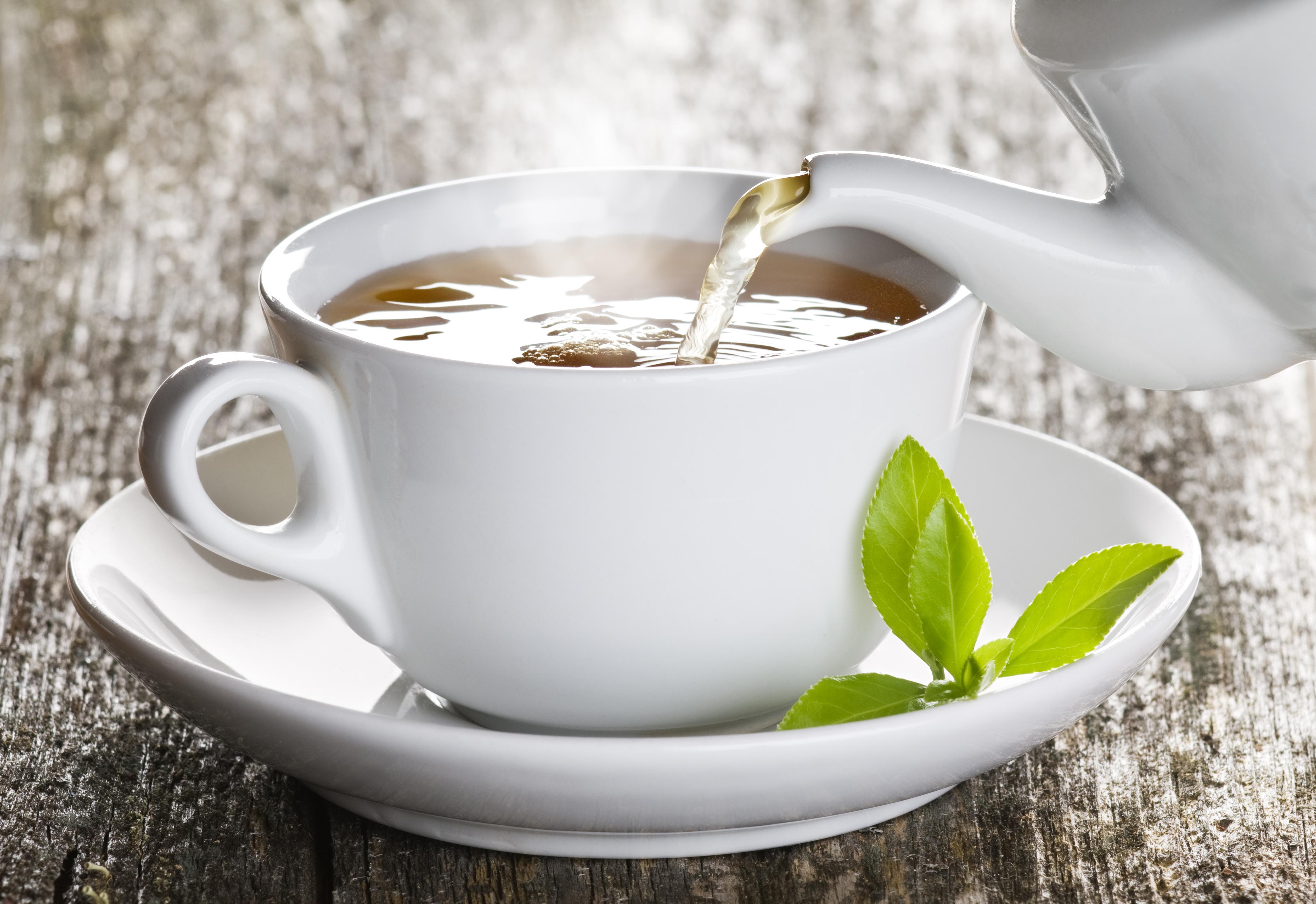 Bebidas extremamente quentes aumentam risco de câncer de esôfago, aponta estudo