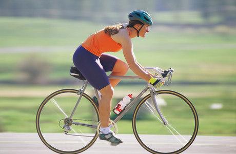 Exercício auxilia pessoas que sofrem de dores nas costas, excesso de peso ou doenças cardiovasculares