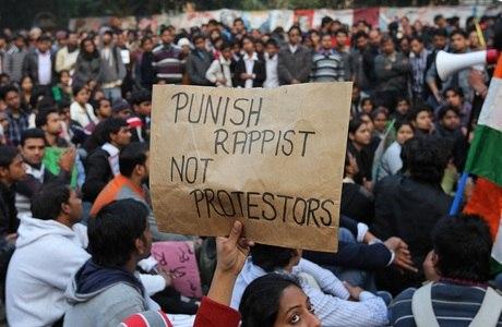 Revolta tomou conta da população na Índia, após o episódio envolvendo a estudante