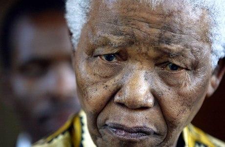 Nelson Mandela, de 94 anos, um dos símbolos da luta pela igualdade