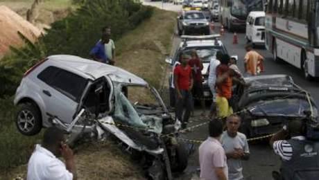 Uma mulher morreu em um acidente no km 618 da BR-324, nas proximidades do Porto Seco Pirajá, em Salvador (BA), no dia 24 de dezembro