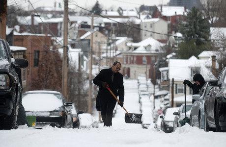 Tempestade de neve atingiu Pittsburgh, na Pensilvânia