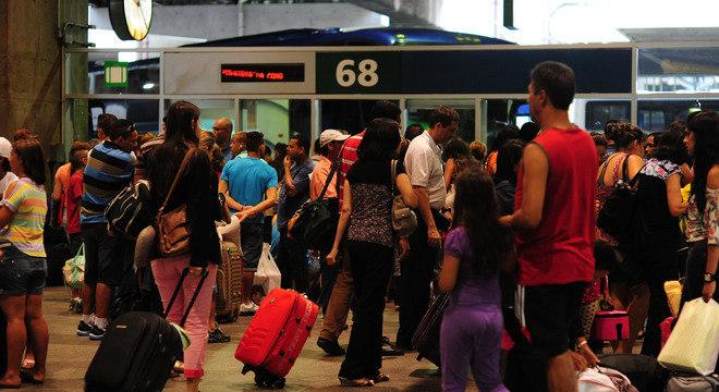 Mais de 200 mil pessoas devem deixar São Paulo de ônibus para o Carnaval
