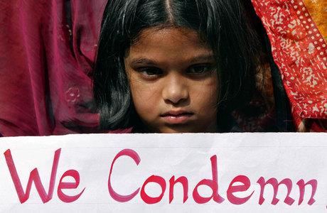 No país, não são raros os casos de aborto de fetos femininos, assim como os de assassinato de meninas recém-nascidas