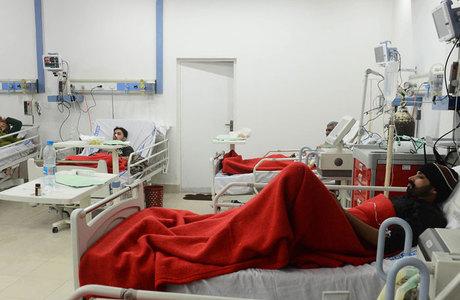 Pacientes  infectados por ingerir o medicamento recebem tratamento em hospital
