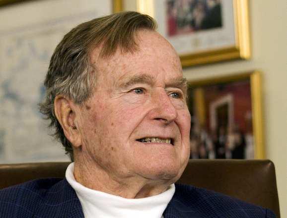 Políticos e personalidades usaram as redes sociais para comentar a morte deGeorge H.W. Bush. O41º presidente dos Estados Unidos faleceu na sexta-feira (30) e a notícia foi dada por um porta-voz da família