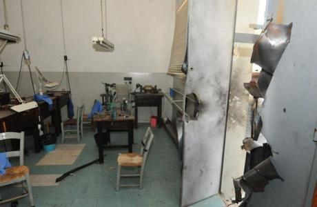 Um grupo de assaltantes explodiu uma fábrica de joias em Cotiporã, no Rio Grande do Sul,