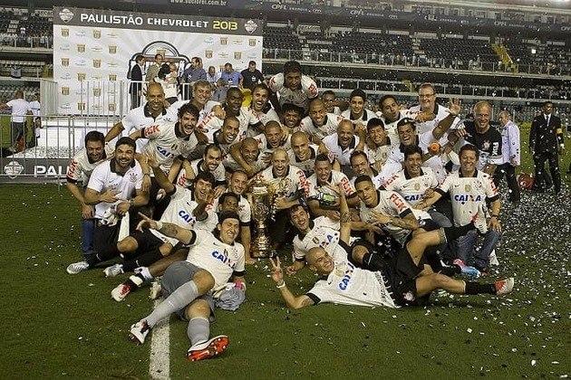 2013 - Naquele ano, o Timão se sagrou campeão paulista ao bater o Santos por 2 a 1 na ida (Pacaembu) e empatar em 1 a 1 na volta (Vila Belmiro).