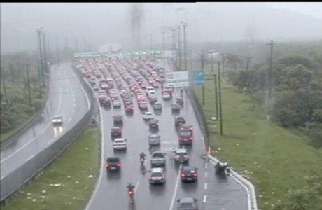 Padre Manoel da Nóbrega tem tráfego ruim nesta manhã