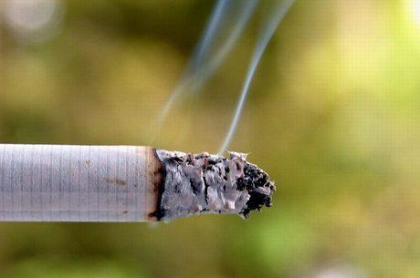Cigarros com sabor seria um atrativo para novos fumantes