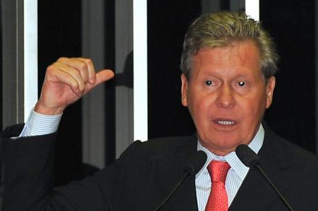 'Do jeito que está, PSDB não chega nem ao segundo turno', diz Arthur Virgílio