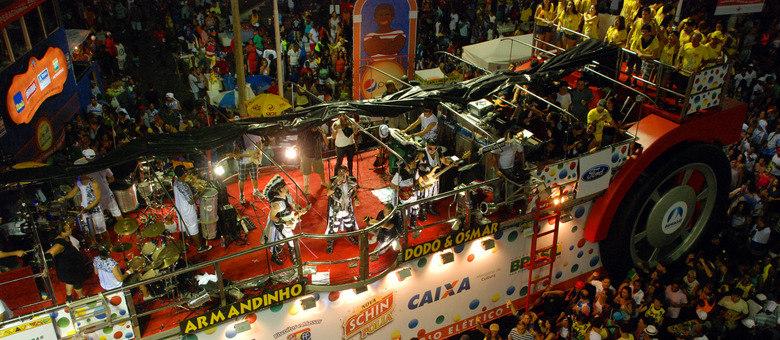 Festa da pipoca: Armandinho é um dos músicos que já confirmou que vai eliminar as cordas do trio elétrico.