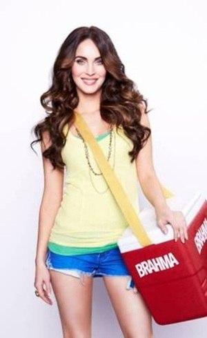 Megan Fox estará vestida com adereços exclusivos, escolhidos por ela, na Sapucaí