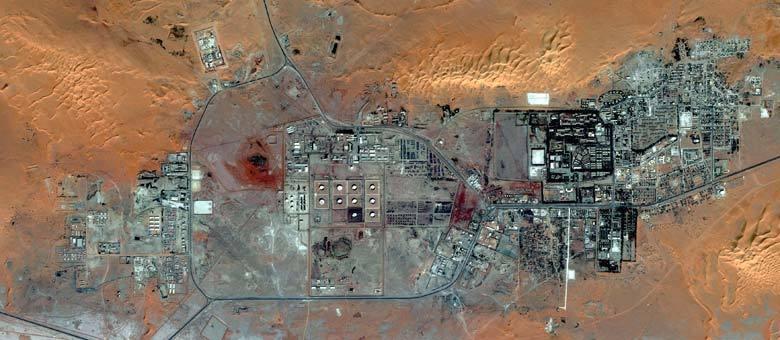 Imagem de dezembro mostra a planta de gás em In Amenas, em meio ao deserto do Saara