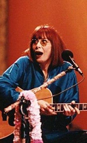 Rita Lee apresenta clássicos da carreira e representa a década de 70