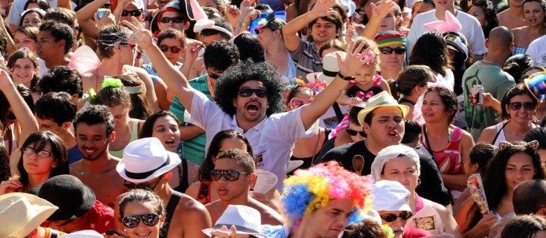 Ensaio do Barbas deve animar os foliões na praça Mauro Duarte, em Botafogo